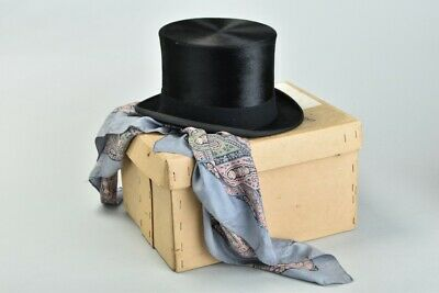 Magnificent Boxed Lock & Co of London s6 7/8 Black Silk Top Hat. SVUJ