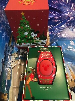 Disney Mickey's Very Merry Christmas Party 2019 Red Castle Magic Band LE 3000