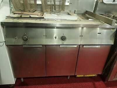 Frymaster Commercial Twin Fryers 2x 20L w/ chip Warmer Natural Gas.
