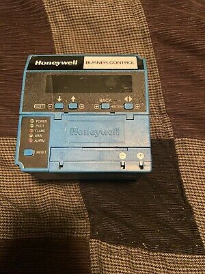 Honeywell RM7890a1015 w/R7847A1033 Rectification Flame Amp & S7800a1001
