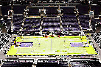 4 Tickets Los Angeles Lakers vs Chicago Bulls at Dead Center Court on 4/7/20
