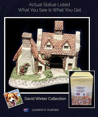David Winter Cottages Collectors  item The SchoolHouse 1987 with original box