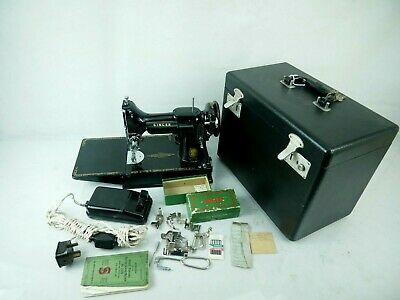 Vintage Singer 221K Featherweight Sewing Machine