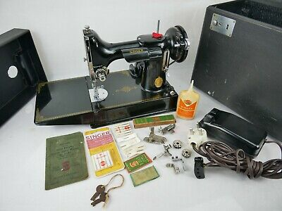 Old Collectable Singer 221K Featherweight Sewing Machine 24 December 1947