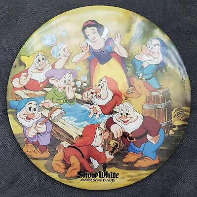 1988 Snow White And The 7 Dwarfs Taking Bath Button