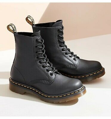 NEW Dr. Martens Men's 1460 Nappa  8-Eye Black Leather Boot Shoes  11822002