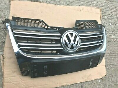VW JETTA GOLF FRONT BUMPER GRILLE & BADGE 1K5853651 great condition