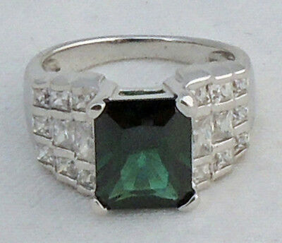 Pretty Estate Sterling Silver Green White Cubic Zirconia Cocktail Ring Size 6