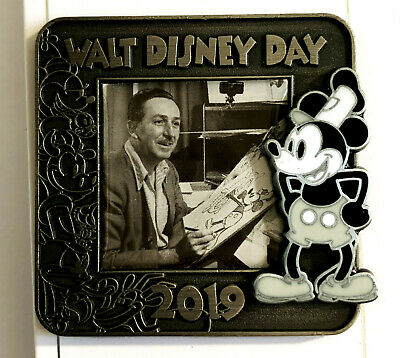 Disney Collector Pin Walt Disney Day 2019 LE 4500 Steamboat Willie Mickey