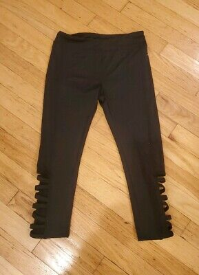 Girl's Danskin Capri Tribal Banded  Leggings Color Black Size Medium 10-12