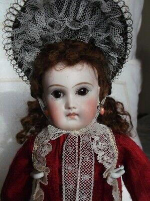 French mistery doll, antique bisque doll closed mouth, pale bisque, adorable