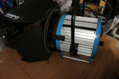 Arri Studio 2000 Tungsten Fresnel with Barn Doors and stage plug