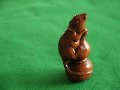 Superb Quality Antique Signed Wooden Carved Japanese Netsuke Mouse Ornament