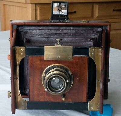 Mackenstein Superb Mahogany Folding Gate Strut 19Th Century Camera With Lens