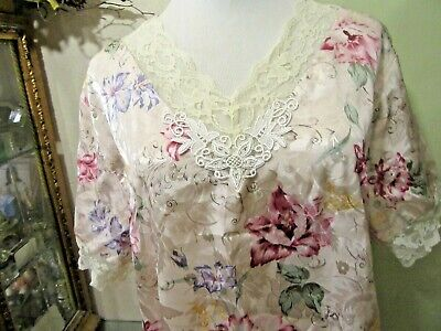 Womens Nightgown by Kathryn  Waltz Length Size Medium V-Neck Lined in Lace
