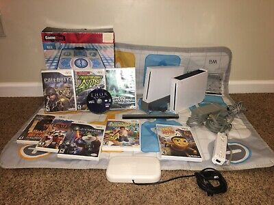 Nintendo White Wii Console Bundle with Games and Accessories