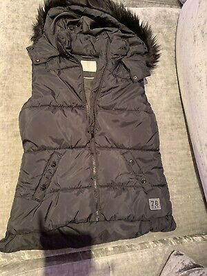 H&M Girls Hooded Black Gillet Bnwt Age 12-14 Years