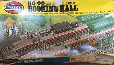 vintage airfix model kit Ho/oo Booking Hall