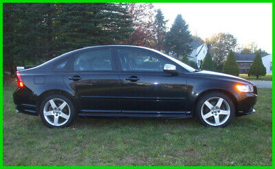 2010 Volvo S40 T5 R-Design T-5 R-Design. Heated Seats and Xenons! JUST Serviced incl Timing Belt 40 Pics
