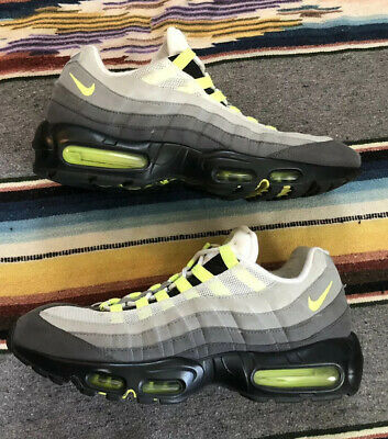 NEW NIKE AIR MAX 95 OG Neon size 11 Mens 2015 554970 071