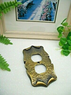 VTG Amerock Hardware Antique Brass CARRIAGE HOUSE Duplex Outlet Wall Plate Cover