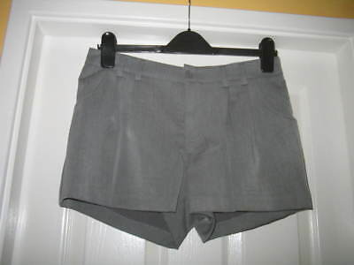 "Ladies/Girls New H&M Grey Tailored Shorts W-31"" - 10"
