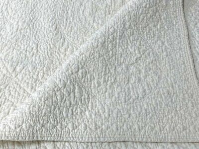 OUTSTANDING Quilting! c 1900s Pennsylvania Bride Quilt Vintage Feather Quilting