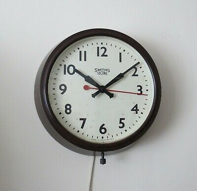 Vintage Bakelite SMITHS-SECTRIC Mains Electric Wall Clock. c.1940s –VGC GWO