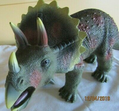 """Toys R Us Maidenhead TRICERATOPS Dinosaur Large Rubber Figure Toy 17"""" Long"""