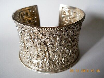 Vintage Toast Floral Embossed Silver Bangle