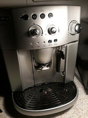 DELONGHI MAGNIFICA ESAM4200.S Bean To Cup Coffee Machine ecodecalk mini included