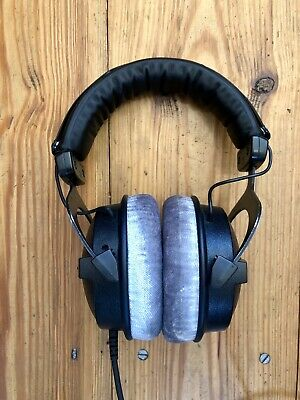 Beyerdynamic DT 770 PRO (250ohm) Headphones