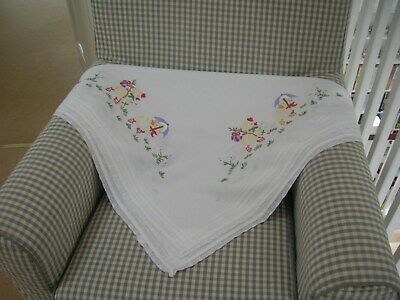 VINTAGE Retro 1950's Embroidered Ducks Tablecloth