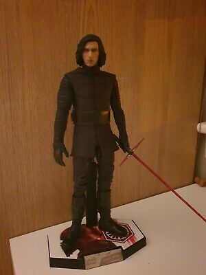 Hot Toys Star Wars The Last Jedi Kylo Ren