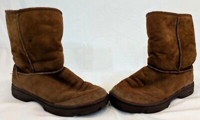 UGG Australia Classic Short Chocolate Sheepskin Suede Boots 5251Y Youth 6