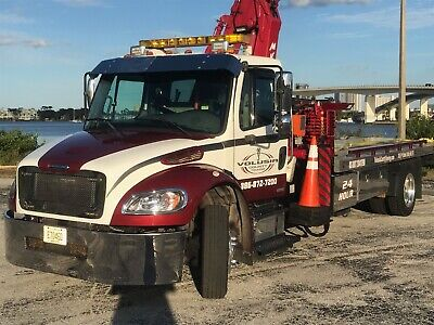 Freightliner M2 Flatbed With 20 Meter Ton Crane