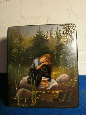 PRECIOUS Antique Russian hand painted lacquer box