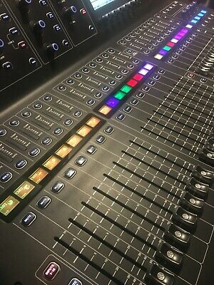 Midas M32 LIVE 40 Channel Digital Console with 25 Mix Buses