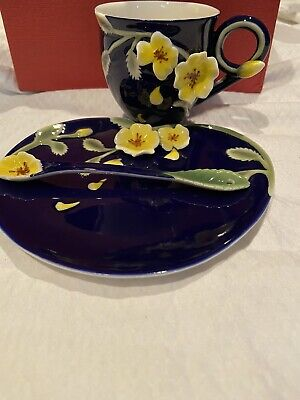 Manchu Rose Savoy Sculptured Porcelain Tea Set Very Brilliant Blue, Yellow Roses