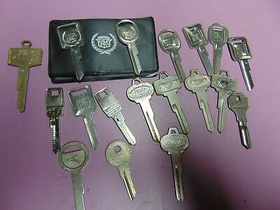 18 Keys   Old Vintage Auto   Key Blank  Uncut           Locksmith