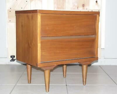 Vintage Mid Century Modern Walnut Johnson Carper Nightstand End Table