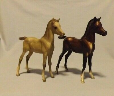 Breyer horse figurine lot of 2 traditional scale foals PAF dapple bay colt