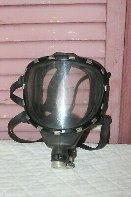 SCOTT SAFETY FULL FACE RESPIRATOR Small Used