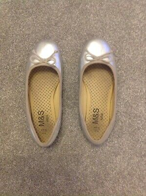 Girls Marks And Spencers Silver Ballet Pumps With Bow Size 1