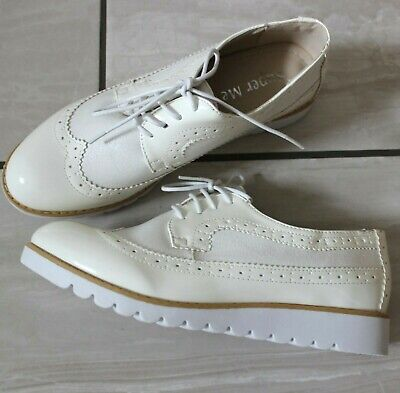 Ladies Flat White Lace-Up Brogue Pumps Dolly Smart Work Casual Comfy Shoes 3-8