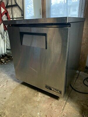 True Refrigerator TUC-27 for Under Counter Commercial Fridge On Wheels