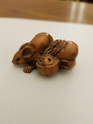 Japanese Antique Netsuke of mouse/rat. Carved Hard Wood. Beautifully crafted.