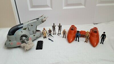 Vintage Star Wars Twin Pod Cloud Car and Slave 1 ships plus figures 1980-81