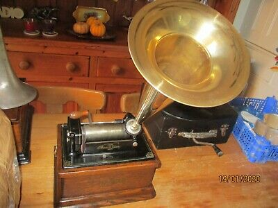 All original Edison  Fireside  cylinder phonograph with recent  horn