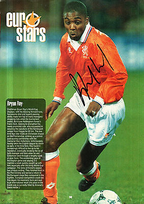 BRYAN ROY IN HOLLAND KIT HAND SIGNED 12 x 8 COLOUR MAGAZINE PICTURE